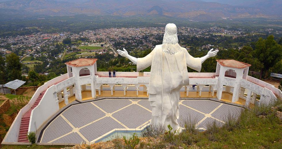 La urbe se encuentra a 2.600 m.s.n.m.; su mirador, a 6,5 km de la Plaza de Armas. (Foto: Juan Puelles / PromPerú)
