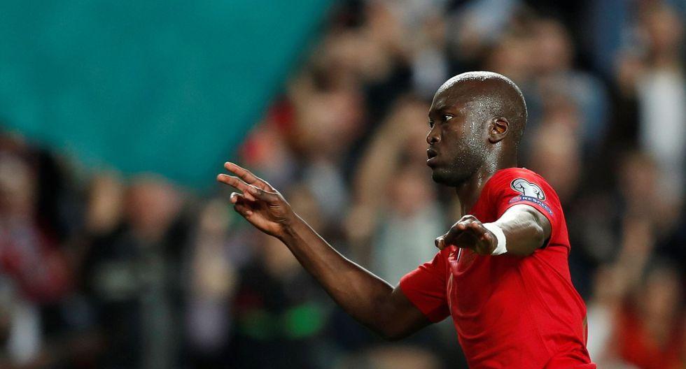 Portugal vs. Serbia: ¡A falta de Cristiano, Danilo! Luso marcó espectacular gol desde fuera del área | VIDEO. (Video: YouTube/Foto: AFP)