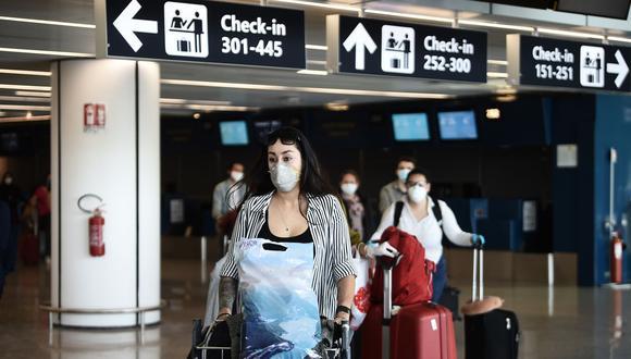 Italia abrió sus fronteras a los ciudadanos residentes en países de fuera del espacio Schengen bajo la condición de que hagan cuarentena por coronavirus. (Foto: Filippo MONTEFORTE / AFP).