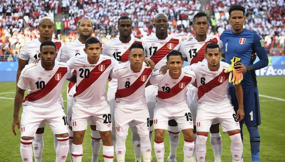 El plantel de la selección peruana ya ha discutido la posibilidad de manifestarse antes del partido con Chile sin incumplir los protocolos FIFA. (Foto: AFP).