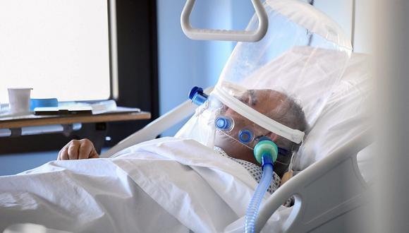 Un paciente de coronavirus internado en un hospital de Cremona, Italia. Foto: Reuters
