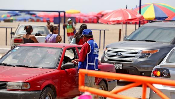 El cobro por parqueo vehicular en las playas de Chorrillos corresponde a la temporada de verano 2020-2021, periodo comprendido entre el 1 de diciembre de 2020 al 31 de marzo del presente año. Foto: Andina
