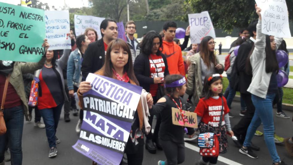 Mujeres marchan para exigir justicia ante casos de feminicidios, violaciones y desapariciones que hasta ahora no tienen sanción. (Foto: María Yrigoyen/ El Comercio)