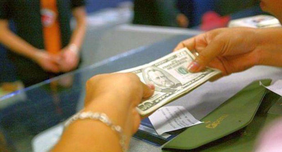 Tasas de interés de los depósitos caen más de dos puntos