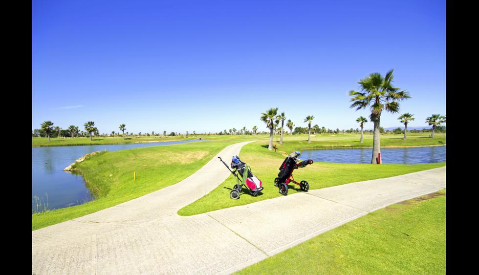 La región de Algarve, es famosa por su clima cálido que permanece por todo el año y por ser el mejor destino de golf de Europa y el mundo, según los World Golf Awards 2014.     Foto: Shutterstock.