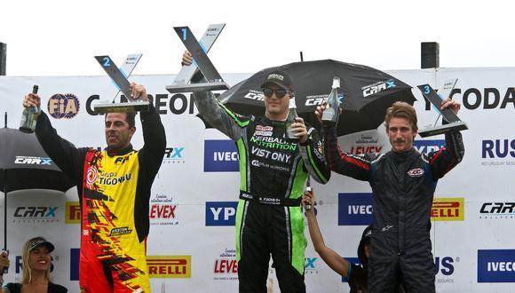 Nicolás Fuchs celebrando en lo más alto del podio. (Foto: Itea Media)