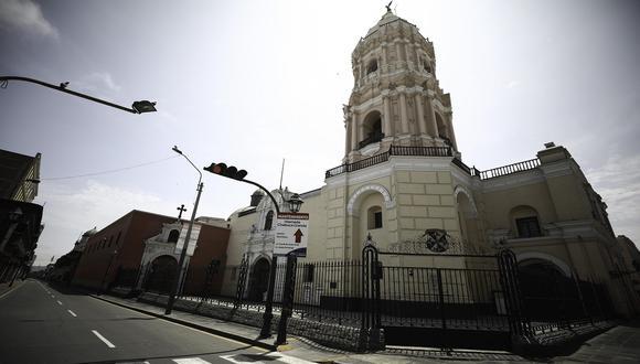 Iglesia del Centro de Lima libre de tránsito de personas durante la Semana Santa de 2020, debido a que el Gobierno del expresidente Vizcarra decretó aislamiento social obligatorio por el COVID-19. (Foto: Joel Alonzo/GEC)