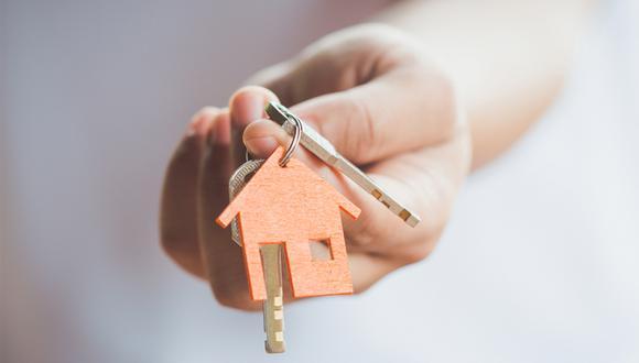 Si bien, el comprar un inmueble puede significar progreso, es importante estar preparados al antes de firmar cualquier documento.