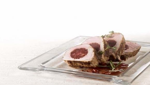 Lomo de cerdo con chorizo en salsa de vino tinto