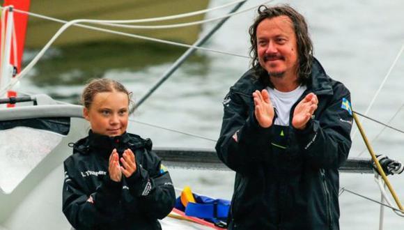 Svante Thunberg y su hija navegaron a una cumbre climática en Nueva York en un yate que no produce carbono. Foto: KENA BETANCUR/GETTY IMAGES, vía BBC Mundo