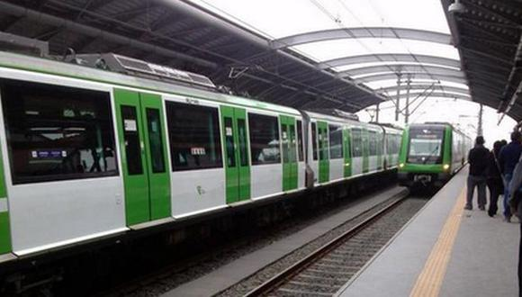 Metro de Lima quedó varado por falla que aún se investiga