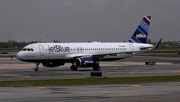 JetBlue. La aerolínea cubre la ruta directa Fort Lauderdale – Lima – Fort Lauderdale (Florida), y cuenta con equipos Airbus A320, en 7 frecuencias semanales. La compañía opera en más de 75 aeropuertos en 14 pa&iacu