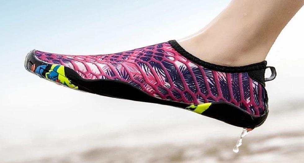 Zapatos de agua de la marca Beshape, de material resistente y plantilla cómoda.  Precio: S/ 120 Dónde: Facebook Aquashoes Perú