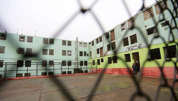 3 grupos compiten por proyecto de bloqueo celulares en penales