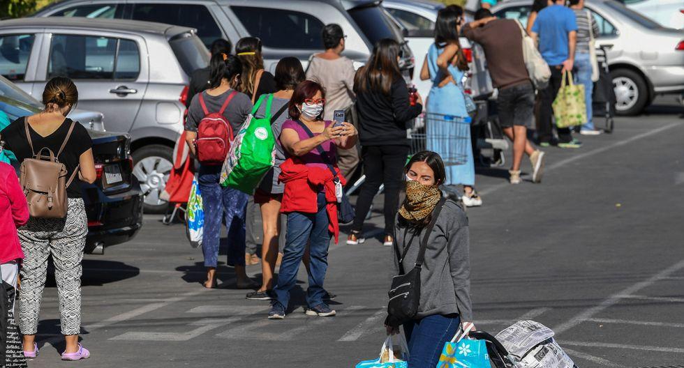 Por la noche, entrará en vigor la medida que confinará a cerca de 1,3 millones de habitantes de Santiago, cuya población total es de siete millones. (AFP).