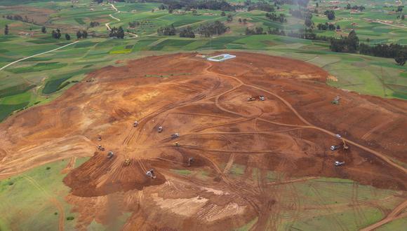 De acuerdo con el MTC, actualmente ya se cuenta con un estudio definitivo de ingeniería para la construcción del aeropuerto de Chinchero. En la zona ya se ha removido tierra (Foto: Presidencia de la República)