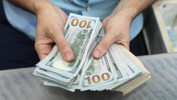 Gobierno de Argentina autoriza al Banco Central a restringir compras de divisas. (AFP).