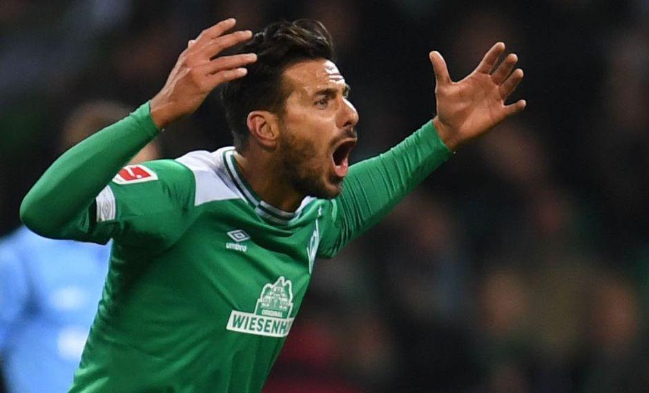Claudio Pizarro, además, acaba de ingresar al podio europeo que comparten Teddy Sheringham, ex leyenda de la Premier League, y el brasileño Donato. (Foto: AP)