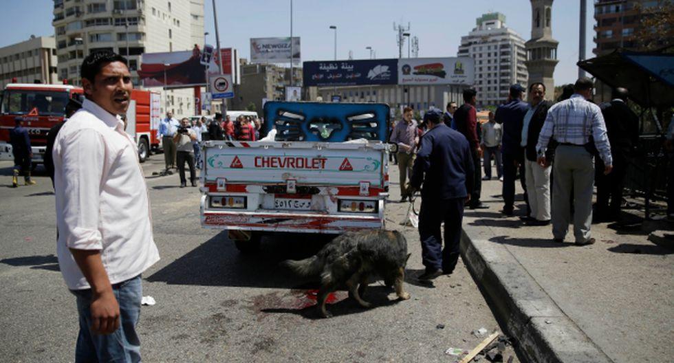 Egipto: Policía muere al explotar una bomba en El Cairo