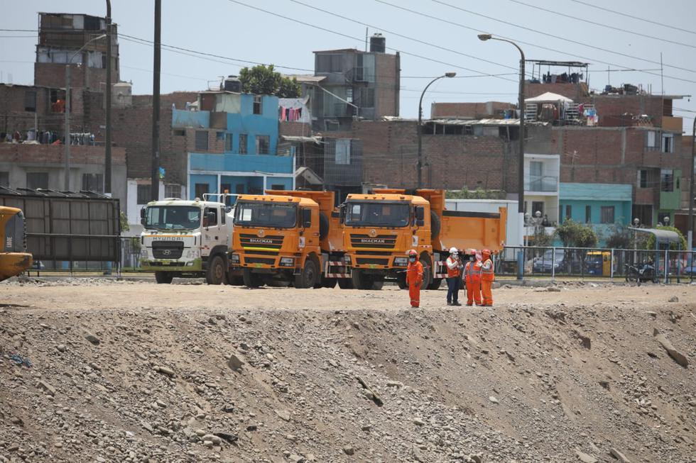El alcalde de Lima, Jorge Muñoz, informó que este martes se inició la construcción del puente vehicular y peatonal Morales Duárez. (Fotos Britanie Arroyo / @photo.gec)