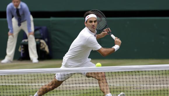 Federer vs. Djokovic: suizo sorprendió a 'Nole' con un preciso revés en la net | Foto: Agencias