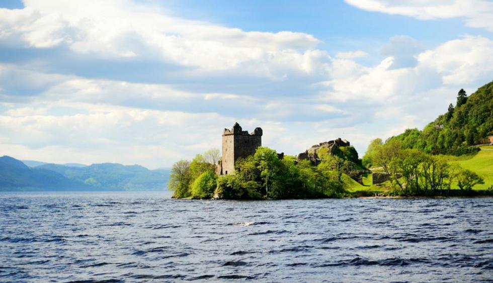 Lago Ness. Las leyendas dicen que este destino, ubicado en Escocia, es el hogar del misterioso monstruo del Lago. Aunque nunca se ha podido tomar una fotografía de este, los curiosos siguen intentando captarlo en una instantánea. (Foto: Shutterstock)