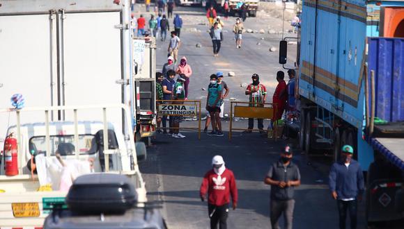 """Ica: La apertura de la Panamericana Sur es """"solamente es una tregua humanitaria para el tránsito vehicular. Nosotros no estamos levantando la huelga"""". (Foto: Hugo Curotto / @photo.gec)"""