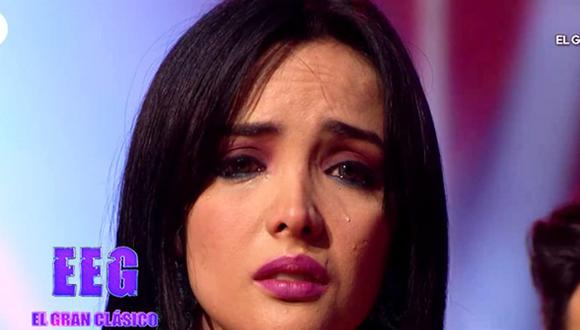 """Rosángela Espinoza lloró desconsoladamente tras sufrir percance durante su presentación en """"Divas"""". (Fuente: Captura de América TV)"""