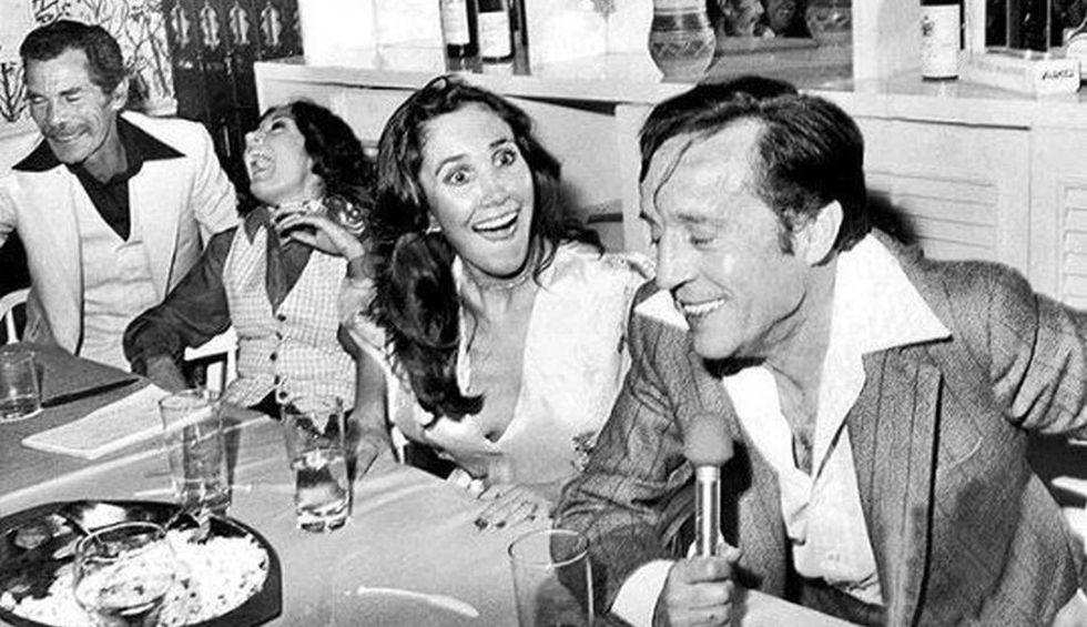 Parte del elenco disfrutando de una reunión de amigos. (Foto: Twitter Florinda Meza)