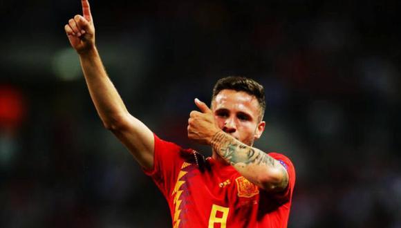 Saúl, el futbolista que solo conoce de golazos, colocó el 1-0 a favor de España luego de una maravillosa asistencia de Dani Carvajal. (Foto: AFP)