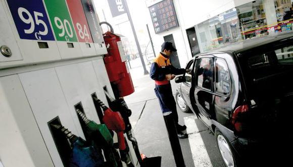 Los precios de los combustibles varían en el mercado local. Conoce aquí dónde puedes encontrar los precios más bajos con Facilito de Osinergmin. (Foto: GEC)