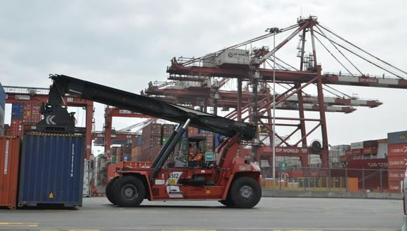 Las importaciones cayeron US$ 108 millones, asociado principalmente a los menores precios de petróleo. (Foto: GEC)