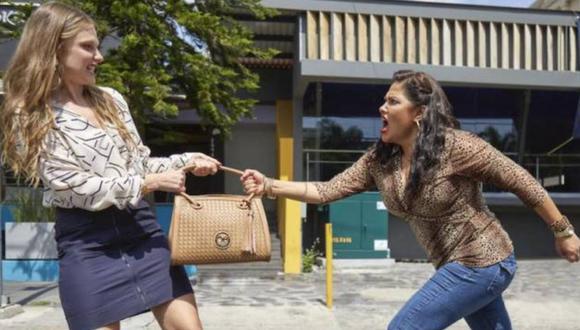"""Vanessa Bauche y Ana Layevska protagonizan """"Guerra de vecinos"""". A ellas se suman un grupo de actores reconocidos en México y gran parte de Latinoamérica (Foto: Netflix)"""