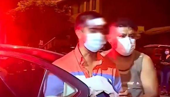 La agresión al dueño del perro ocurrió la noche del último lunes en San Juna de Lurigancho. (Captura: América Noticias)