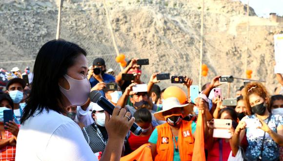De acuerdo con Fujimori, el miércoles pasado solicitó autorización al Poder Judicial para viajar fuera de la capital, pero dos días después le notificaron que la jueza María Álvarez Camacho pediría una opinión del Ministerio Público antes de pronunciarse.