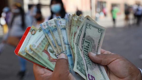 En el mercado paralelo o casas de cambio de Lima, el tipo de cambio se cotizaba a S/3,600 la compra y S/3,630 la venta. (Foto: Juan Ponce / GEC)
