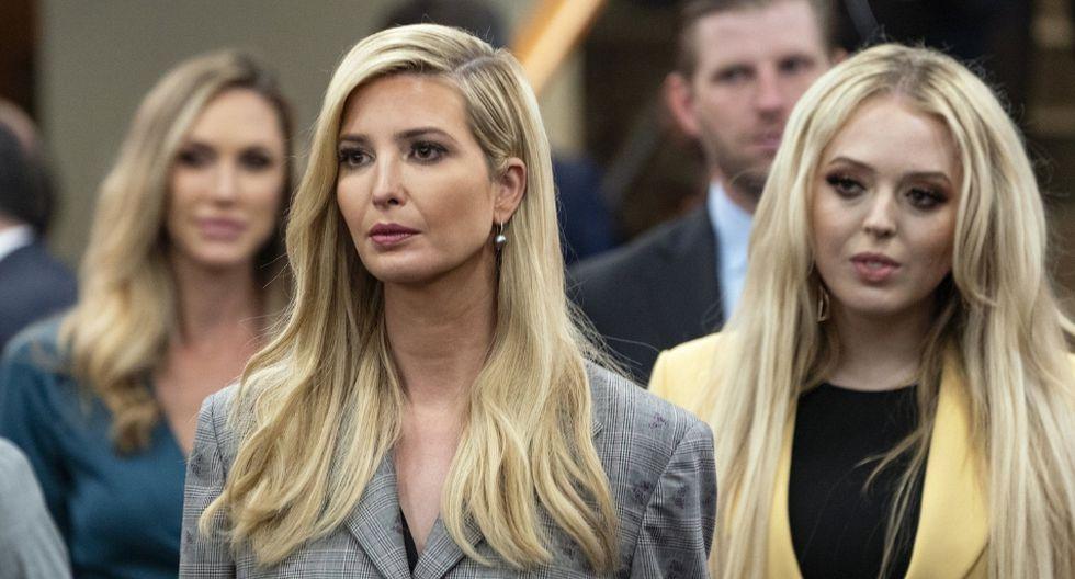 Ivanka Trump participó de una reunión en la que lució un vestido elegante y sencillo. (AP)