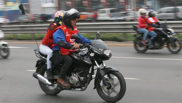 La comuna de Miraflores alista una ordenanza para prohibir que dos personas viajen en una moto por su distrito. (Archivo El Comercio)