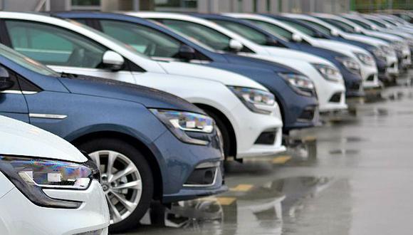 Francia prohibirá la circulación de vehículos con motores de combustión desde el año2040 para reducir las emisiones de carbono. (Foto: AFP)
