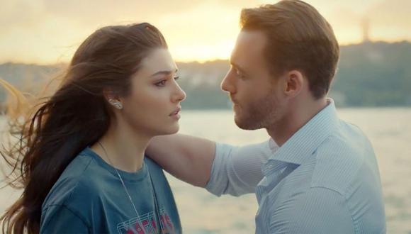 """""""Love Is in the Air"""" sigue la historia de Eda Yildiz, una joven vendedora de flores que debe lidiar con Serkan Bolat, un rico heredero al que responsabiliza de haber perdido una beca para estudiar en Italia. (Foto: Divinity)"""