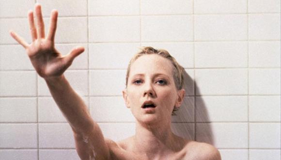 """Anne Heche reemplaza a Janet Leight en el 'remake' de """"Psycho"""" dirigido por Gus Van San en 1998. (Foto: Universal Studios)"""
