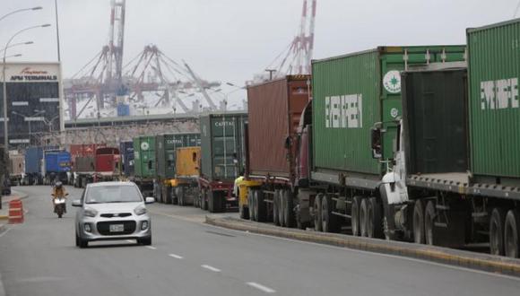 Representantes de las empresas de camiones dicen que deben lidiar con el aumento de los precios del combustible, los impuestos y los peajes en las carreteras.