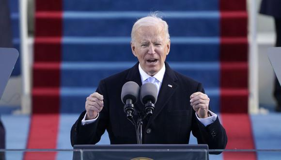 """Estados Unidos enfrenta """"el surgimiento del extremismo político, la supremacía blanca, el terrorismo doméstico, que es algo que debemos confrontar y que vamos a derrotar"""", afirmó Joe Biden tras jurar como presidente de Estados Unidos. (Patrick Semansky / POOL / AFP)."""