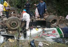 Huánuco: un muerto y un herido deja caída de cisterna con petróleo a un abismo de 200 metros