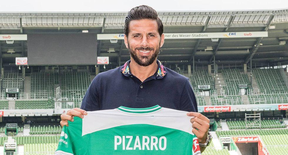 Claudio Pizarro regresó al Werder Bremen por cuarta vez en su carrera. (Foto: AFP)