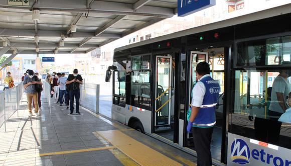 El aforo de los buses del Metropolitano se han reducido para evitar contagios de coronavirus (COVID-19). (Foto: MML)