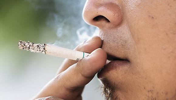 Casi 16 mil peruanos mueren al año debido al consumo de tabaco