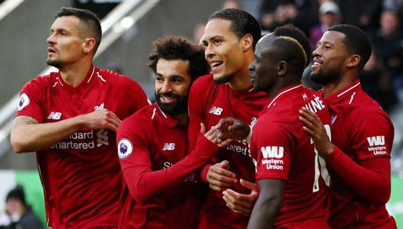 Liverpool se impuso sobre la hora por 3-2 al Newcastle por la fecha 37  de la Premier League en el estadio St. James Park.