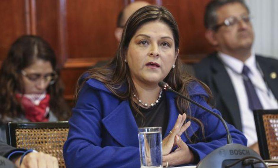 """Karina Beteta también sostuvo que el presidente Martín Vizcarra """"está en su derecho de no ir a la comisión que lo pueda citar"""". (Foto: Congreso)"""