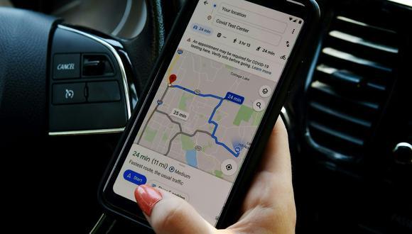 La aplicación de mapas de Google muestra un centro médico o un lugar de pruebas de coronavirus en un teléfono inteligente en Arlington, Virginia (Estados Unidos), el 9 de junio de 2020. (AFP).